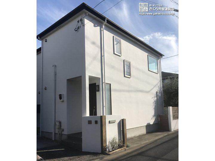 新築のように白く輝く外壁 擁壁 門柱の塗装 さくら外壁塗装店